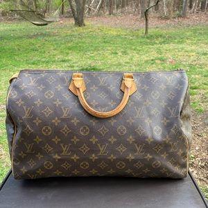 Louis Vuitton monogram speedy 40 satchel bag